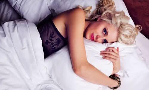 amanda i sängen